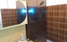salle bains cote baignoire