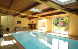 Maison de charme avec piscine intérieure privée et chauffée - Rochefort-du-Gard