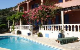 Le Lavandou (83) - Aiguebelle - Corniche des Iles Dor. Maison 7 pièces - 250 m² environ - jusqu'à...
