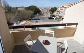 Appartement avec climatisation dans résidence avec piscine.