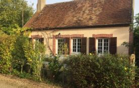 Gîte Chantilly 110 km sud Paris et 2 Châteaux de la Loire à 23 km . Fr/Eng . Noyers 45260 (table d'hôte sur demande )