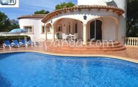Location villa spacieuse avec piscine privée, vue mer à Javea  5028