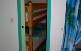 Chambre cabine avec lits superposés