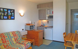 Studio 2 personnes de 18² m situé au premier étage, au niveau de l'entrée principale de la réside...