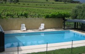 Gîte LUBERON  3 étoiles dans un mas  avec piscine couverte - La Tour d'Aigues