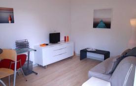 La Rochelle/Les Minimes, dans une résidence située à l'entrée du port des Minimes, à 500 m de la ...