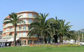 Vue mer et plage, appartement au coeur du centre ville de Cavalaire