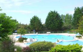 Découvrez le Quercy et sa cité médiévale lors de vos vacances à Montpezat de Quercy. Le Parc du Faillal vous accueill...