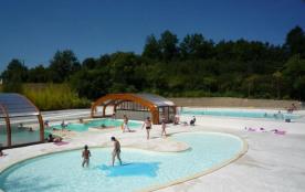 Vos vacances en Quercy dans un ensemble de 107 gîtes, situé sur les « Hameaux des Lacs ».