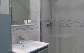 salle de bain 1 chambre RDC