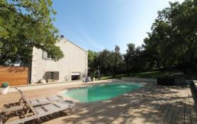 Le Jardin des Chênes jouit d'un emplacement exceptionnellement tranquille, et cette maison de vac...