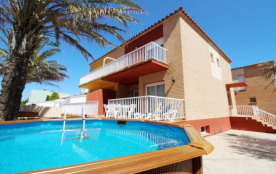 0047-FRESER Casa con amarre y piscina