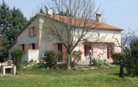 Villa sur grand terrain clos en Ardèche Provençale
