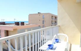 Appartement 2 pièces de 35 m² environ pour 5 personnes situées à 50 m de la plage et à 500 m du c...