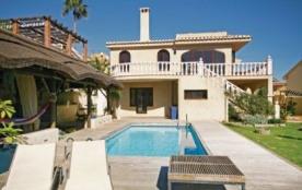 Villa EAN-ROB738