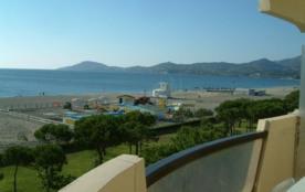 Appartement 2 pièces avec cabine de 50 m² environ pour 6 personnes située en front de mer et à 60...