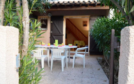 Pavillon 2 pièces mezzanine de 30 m² pour 6 personnes, à mi-parcours de la plage et des commerces...