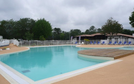 Camping l'Airial - Cosy standard (8 ans d'âge) avec climatisation