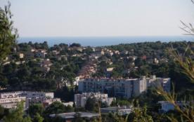 Cassis, plage à 6km, calanques : Carnoux. Rez-de-jardin dans villa. Belle vue. Quartier résidentiel calme.