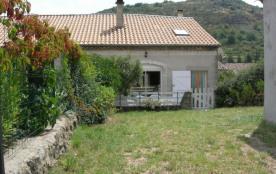 Maison indépendante comprenant le gîte et le logement de vacances du propriétaire.