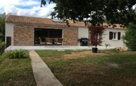 Belle maison avec piscine au cœur de la Provence verte