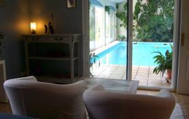L'espace piscine vue de la chambre 1