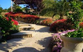 villa figari facile d'accès et près des commerces de figari et a 5 klm de la mer