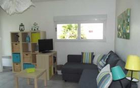 La Rochelle/Port des Minimes, dans une résidence située à proximité de la plage et du port des Mi...