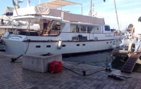 """Yacht """"Le Centura"""" à Saint-Tropez pour des sorties en mer ou des croisières"""