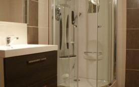 salle de douche du gite principal