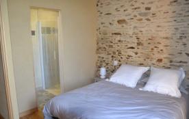 chambre lit 160 séparable avec salle d'eau