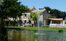 Charmant mas provençal avec piscine au coeur du Luberon.