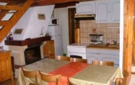 Appartement (Chevreuil) en duplex situé au rez-de-chaussée surélevé d'une ancienne ferme comprena...