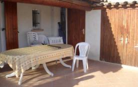 Résidence le Mas des Manadiers (K1) Route de Cacharel dans résidence avec piscine, appartement po...