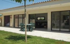 Villa 4* pres d Aix en  Pce avec piscine