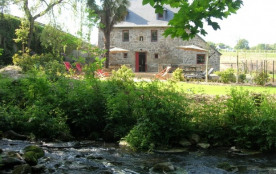 Ancien moulin restauré en gîte de 16 places, au calme et près de la cöte de Granit Rose - Prat