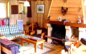 Séjour avec cheminée : le coin salon