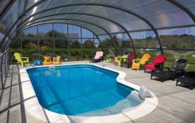 Port Blanc grande maison confortable, jardin, piscine, vue mer.