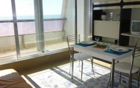 Résidence Marina, appartement 1 pièce de 25 m² environ pour 2 personnes située à 200 m de la mer,...