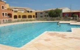 Appartement récent de 4 pièces climatisé dans une résidence de qualité avec piscine et tennis.