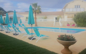 Appartements dans Villa avec grande piscine