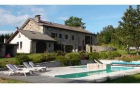 Demeure de 1850 entièrement rénovée avec piscine chauffée