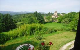 A 100m , ce superbe village et son église du 10ème siècle