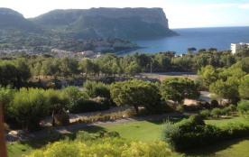 Très bel appartement, totale vue mer, piscine, tennis, proche plages et village.