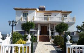 grande et magnifique villa avec piscine privée