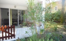 Location de vacances à Capbreton, T2 avec terrasse couverte de 9 m², dans une petite résidence av...