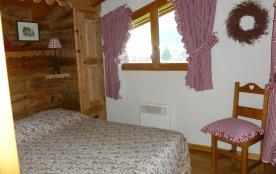 chambre 2 étage, lit en 140 cm