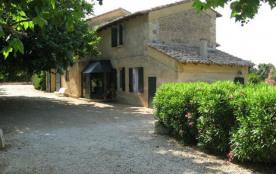 La Laune est une magnifique maison de vacances, située à la campagne dans la belle région de Gallician en Camargue (L...