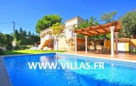 Villa OL Ever - Villa avec piscine privée, proche de la plage, située à Moraira, pour un total de...