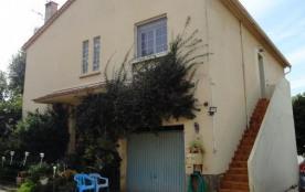 Le gîte Bruno - Sur une exploitation agricole (fruits et légumes), au premier étage de la maison ...